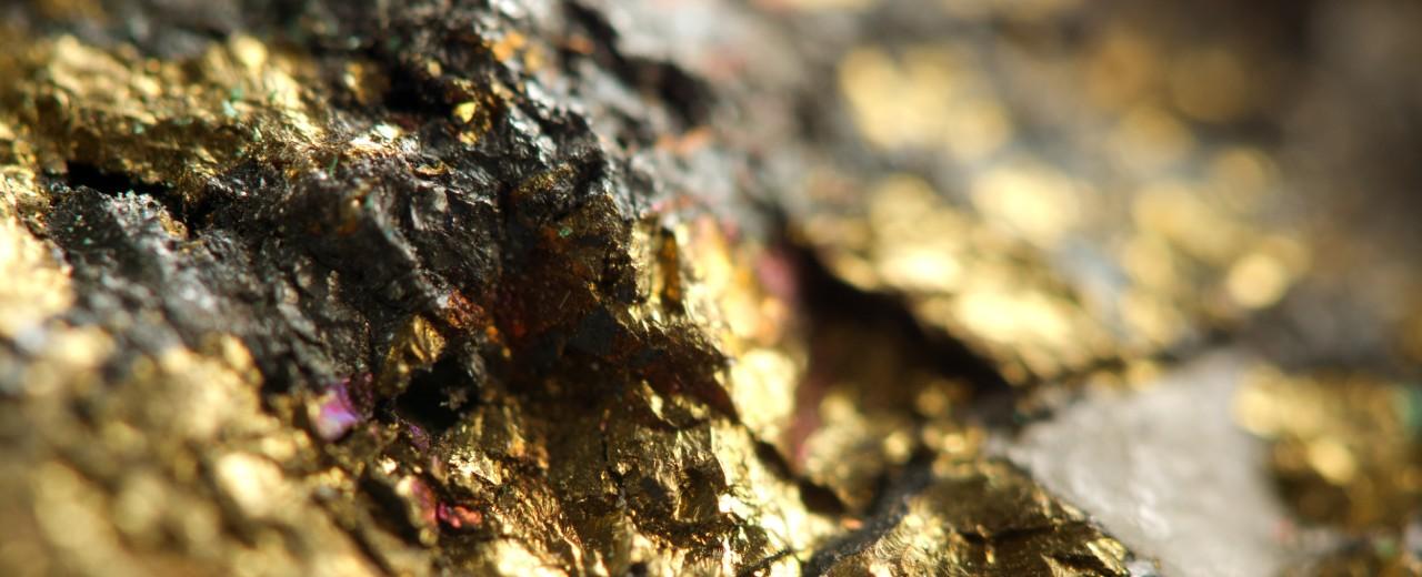 glitzernder Goldklumpen