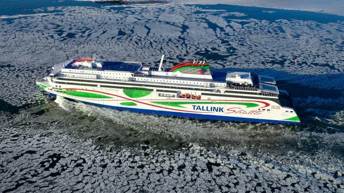 Schnellfähre Tallink auf See