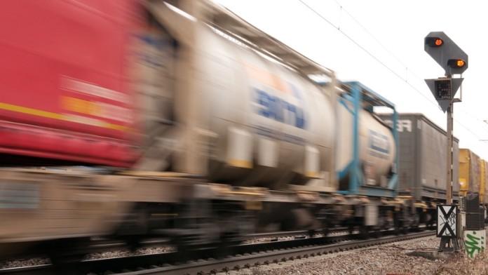 fahrende Güterzüge