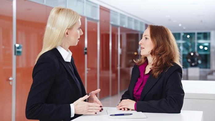 2 Frauen im Gespräch