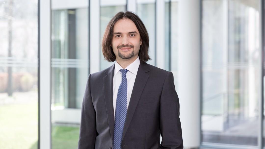 Portraitaufnahme Dr. Velibor Marjanovic