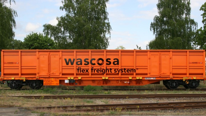 Güterwaggon der Firma Wascosa UK Limited