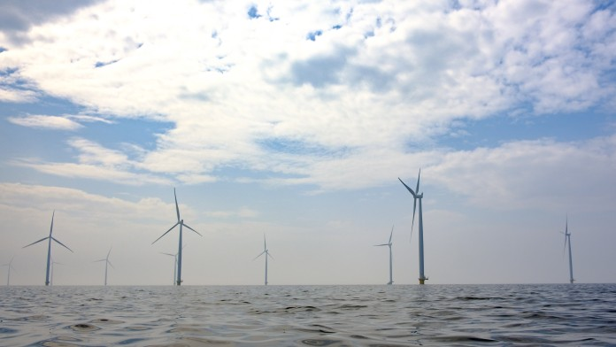 Wind turbines in an offshore windpark